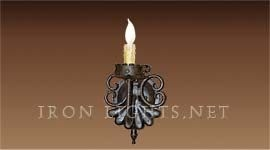 risso_one_light_sconce