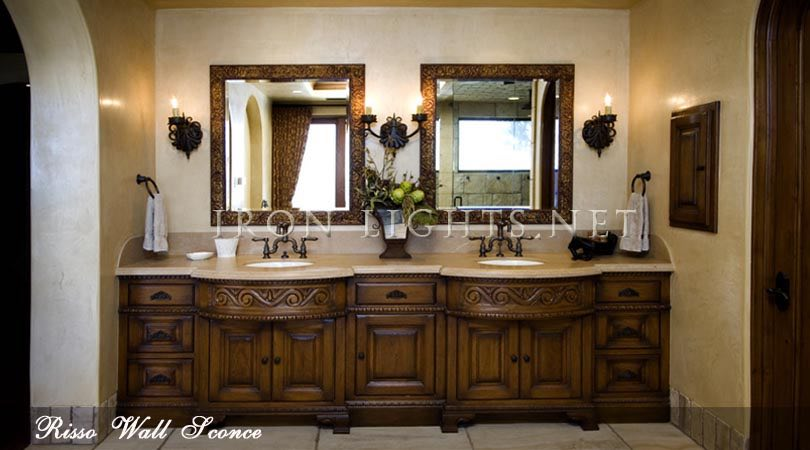 Bathroom Risso wall sconce
